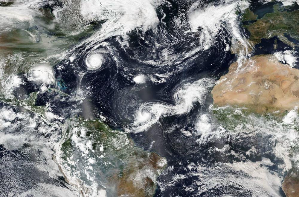 Maandag waren er 5 stormen actief op de Atlantische Oceaan