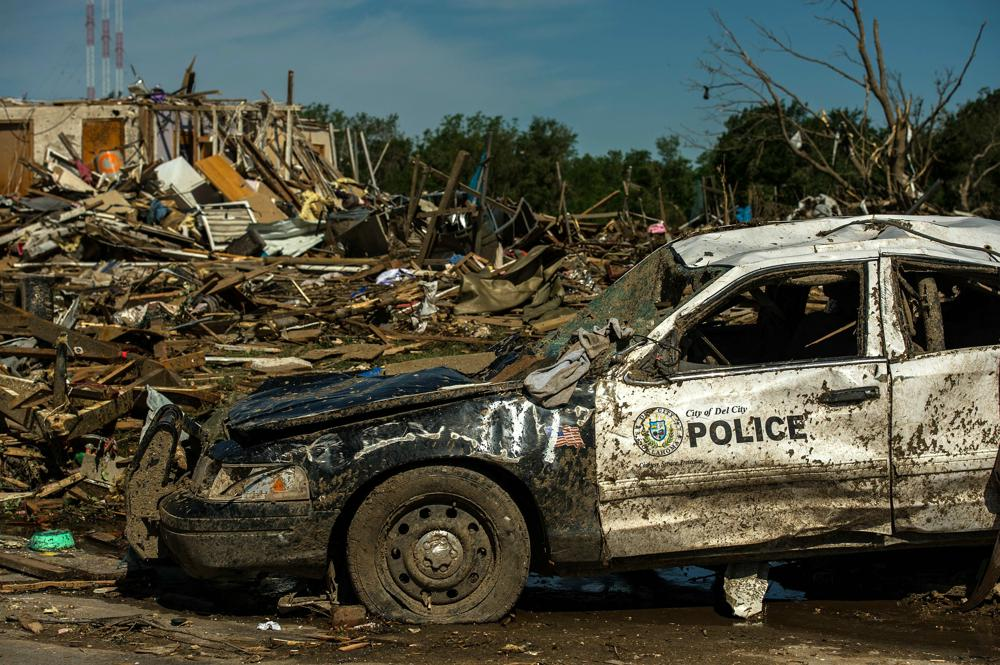 tornado-damage-115801_1920.jpg